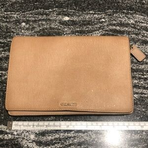 Coach - Clutch/Crossbody - Nude Shimmer